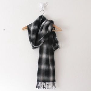 💕 🎉HP🎉 NWT Old Navy Plaid Soft Long Scarf